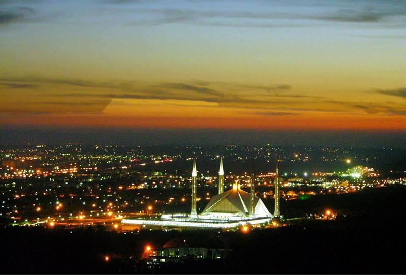 Top of the Town – WHAT TO ORDER FROM RESTAURANTS IN F11 ISLAMABAD?
